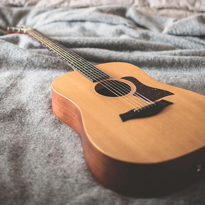 4-chitarra